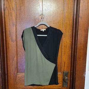 41 Hawthorne green & black top